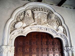 Arco de la portada principal.