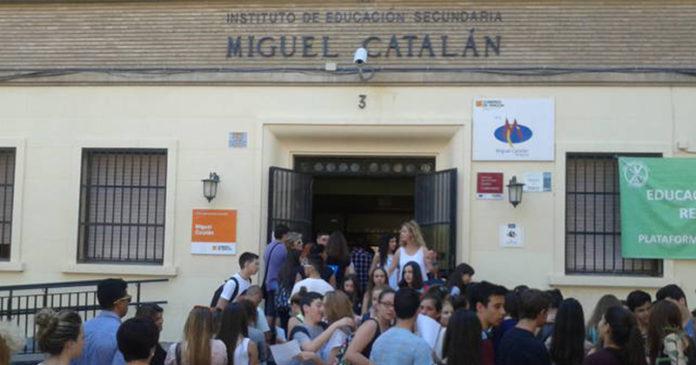 Un-profesor-zaragozano-crea-un-app-para-agilizar-las-matrículas-en-los-institutos