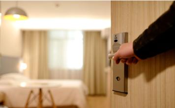 el hotel el aguila reabre sus puertas