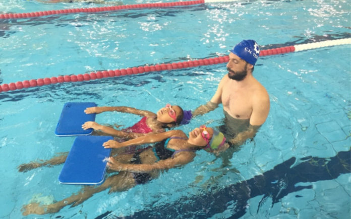 aprende a nadar con zaragoza deporte